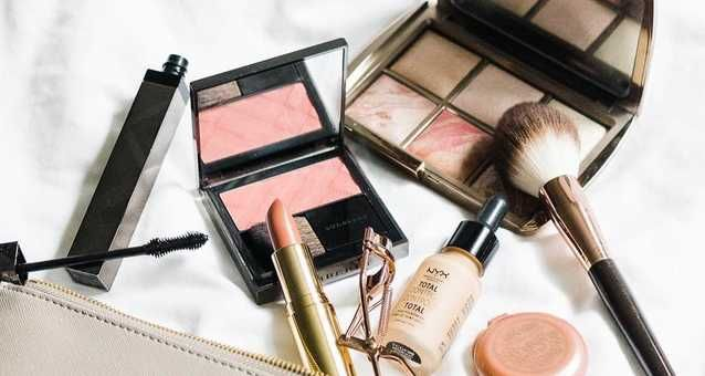 All The Best Black Friday Deals On Makeup Products Available In Canada