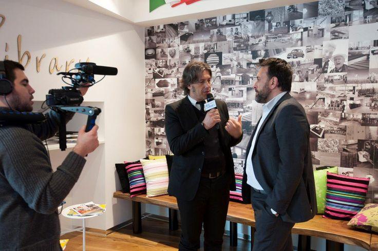 Giorgio Tartaro e le telecamere di Ada Channel all'evento. #parquet #design