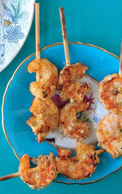 Satay Udang (Grilled Shrimp Satay).  This was so delicious!Summer Food, Brown Sugar, Udang Shrimp, Shrimpsatay, Coconut Milk, Satay Udang, Macadamia Nut, Shrimp Satay, Grilled Shrimp