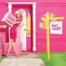 La celebre bambola Barbie ha deciso di vendere la sua casa a Malibù al modico prezzo di 25 milioni di dollari.