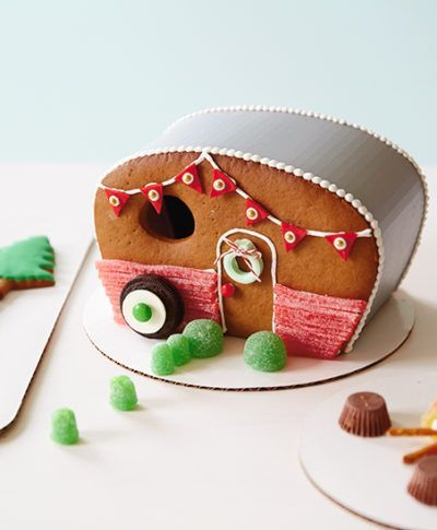 Bernard S. is sharing his love for gingerbread house ideas and the sweetest workshop your eyes ever did see. (A blog from the Creative Studios at Hallmark.)