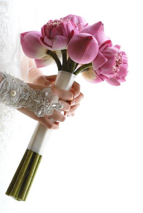 Pink lotus bouquet  #malibubeachinn  #dreamwedding
