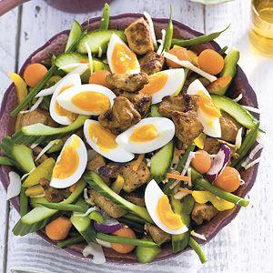 Recept - Gadogado met kip - Allerhande  Rijst eruit en pindasaus vervangen voor een betere keuze.