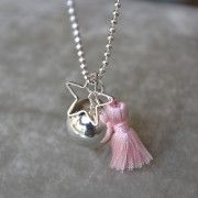 http://www.mois-pour-moi.fr/categorie-produit/vos-creations-made-by-maman/ bola grossesse bijoux rose