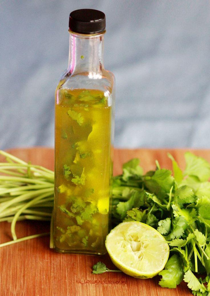Coentro Lime Vinagrete faz cerca de 2 xícaras  Necessário: 6 onças azeite, 3-4 colheres de sopa de coentro picado, suco de 1 limão