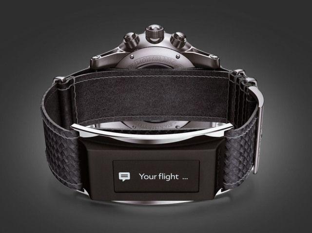 Montblanc Timewalker  ¿Qué hacer si su empresa produce relojes de pulsera y de pronto Apple anuncia el suyo? Mirar a la banda para agregar el factor 'inteligente' parece una buena opción y a eso le apuesta Montblanc con su Timewalker, una lujosa banda de cuero italiano que soporta una pantalla de carbono en donde se despliegan las funciones 'smart', que incluyen mensajes y llamadas. Cuesta 300 dólares que NO incluyen el costo del reloj.