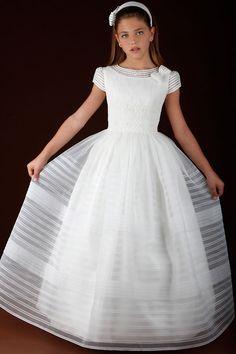 Primera comunión on Pinterest   Communion Dresses, First Communion ...