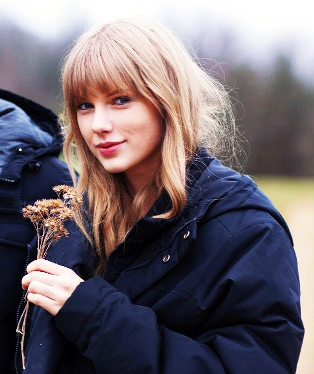 I Love This Photo Of Her! #taylorswift