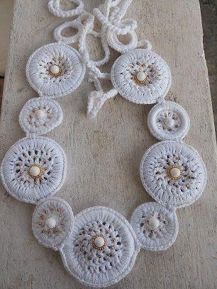 Cordon crocheted ring