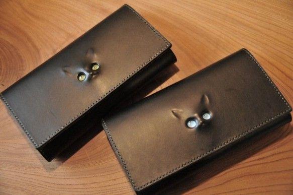 【受注生産品】黒  レリーフ猫の長財布