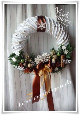 vánoce-věnec na pověšení hnědý (2)