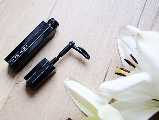 Can your mascara do this? Check out my review of the new Givenchy Noir Interdit Mascara Review