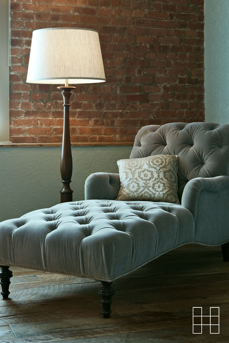 Exposed brick wall? Tick. Light mint velvet chaise lounge with tufting? Tick. An ideal chilling space in Soho House New York.
