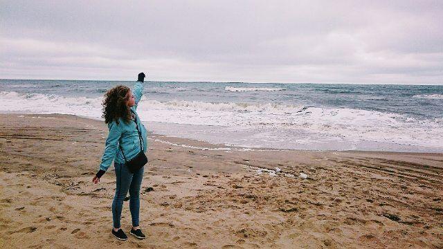 Смотрите какой я карапуз! �� Зато рядом со мной потрясающий Атлантический океан, очень теплый и соленый, да, я уже успела попробовать�� Просто оставьте меня здесь�� #женяспамер #virginiabeach #virginia #atlanticocean #travel #wat #crazyrussian #happyness #невероятно #loveлюмоменты http://tipsrazzi.com/ipost/1522099520833686446/?code=BUflXMkFYuu