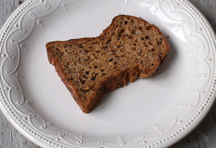 Hány kalória és szénhidrát egy szelet kenyér