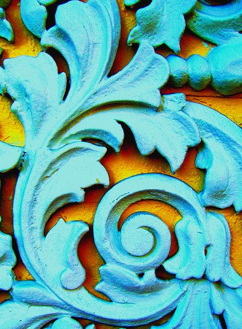 Turquoise and yellow floral decoration. Photographer: Darwin Bell