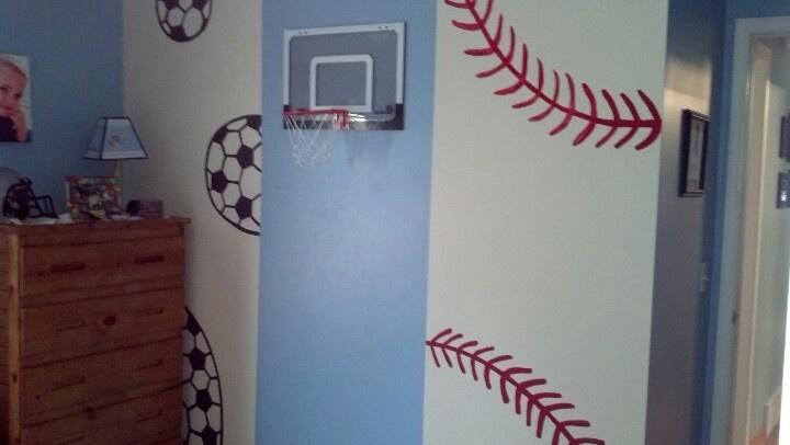 Sports themed bedroom idea