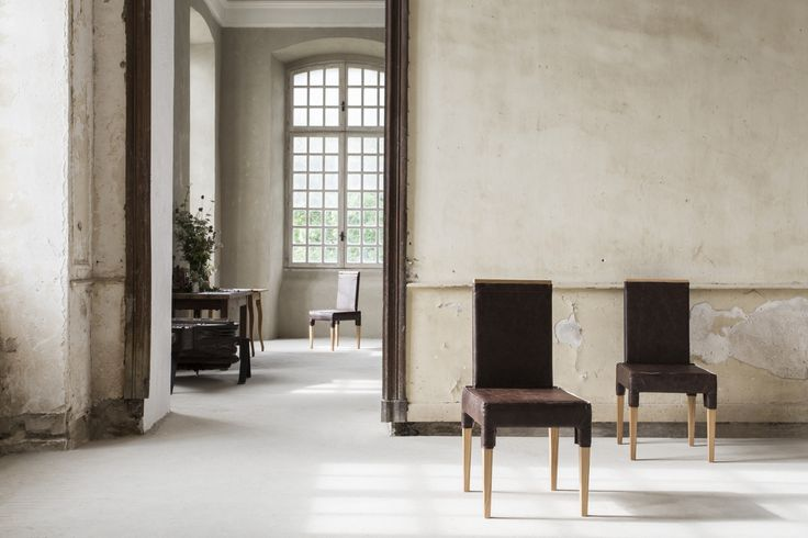 QUARTUS CHAIR #BrahmansHome #BrahmansFiveElements #Brahmans #Design #Interiordesign #photoshoot #photosession #fashion #luxuryfashion #chateaugudanes #France #hautecouture #finearts #quartus #chair #leather #oak #wood #luxury #furniture #collection