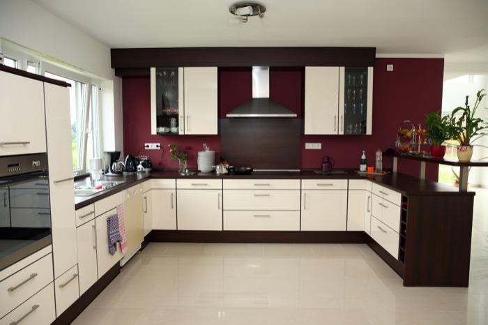Aranżacja kuchni wystrój nowoczesny w kolorach czerwień, beż - projekt  wnętrza #7150, Homplex