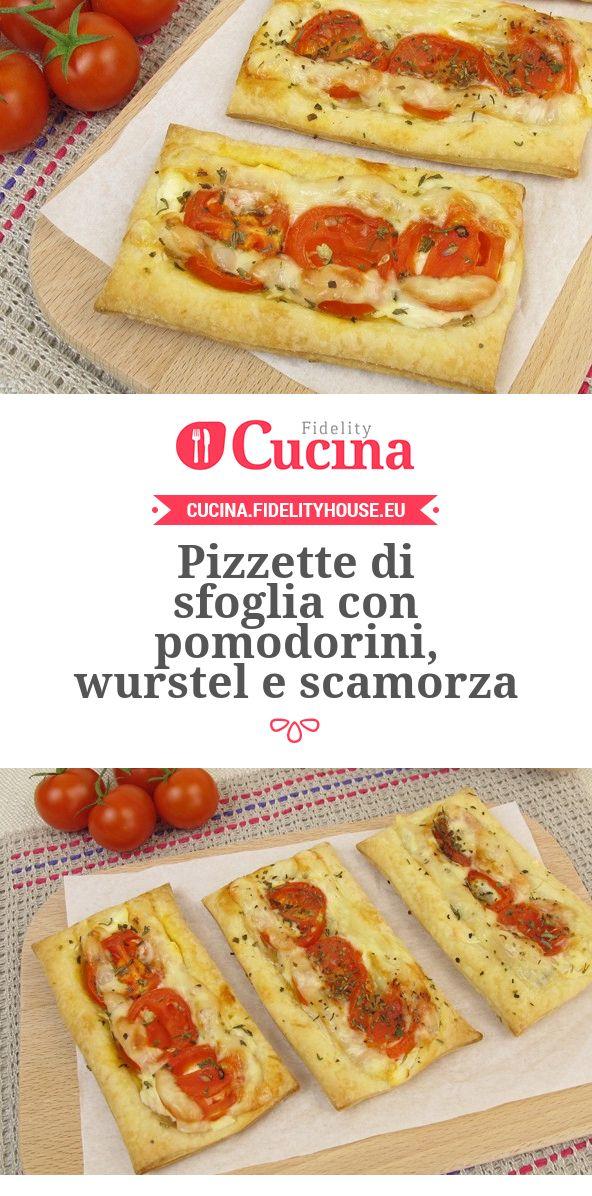 Pizzette di sfoglia con pomodorini, wurstel e scamorza