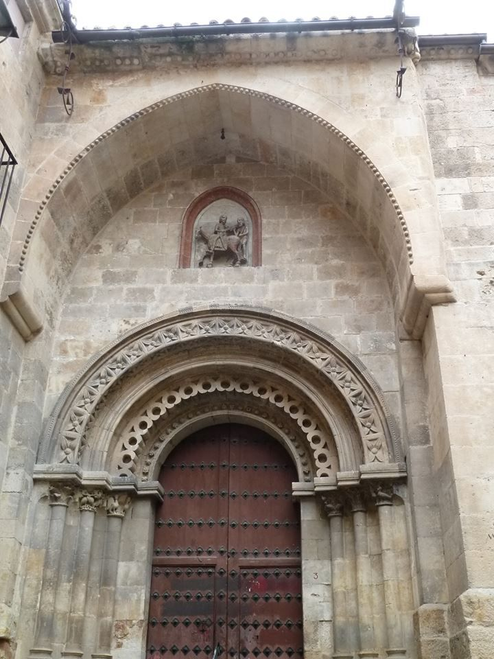 Portada Románica de la Iglesia de San Martín de Tours en Salamanca.