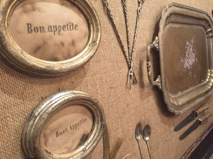 Pannello creato con posate antiche. Ideale per arredare una cucina o come decoro in un ristorante. Creazione Silvana Olmo