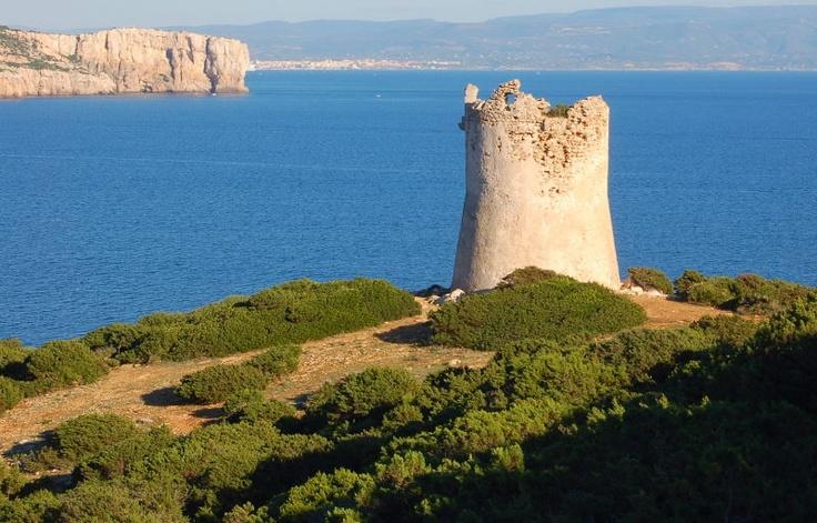 Torre spagnola sulla costa di Porto Conte, Alghero, Sardegna