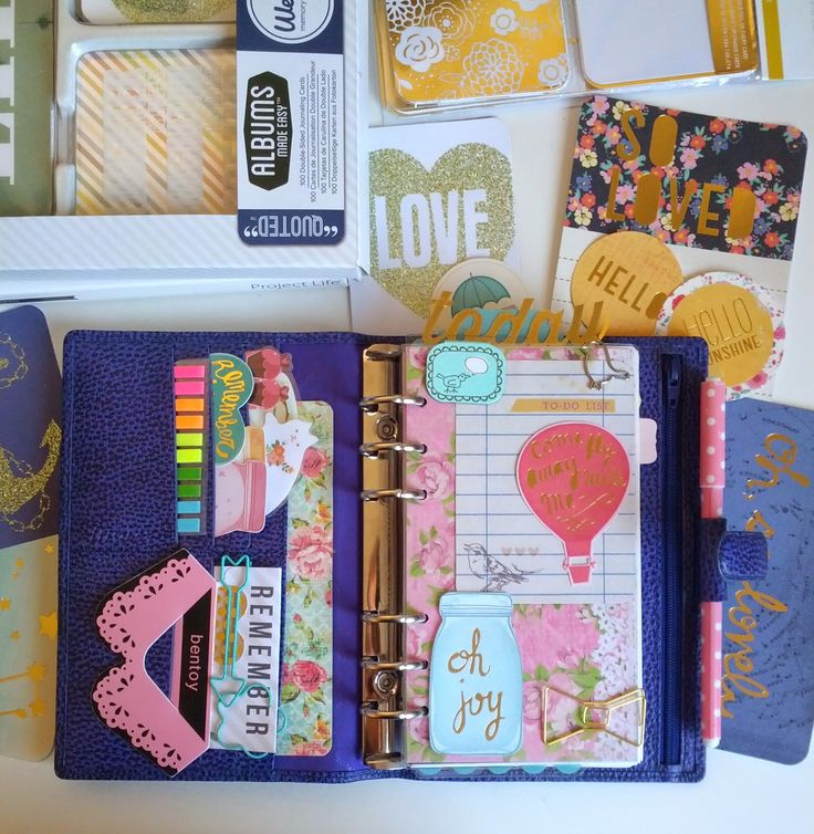 Pretty Things: Filofax Finsbury (Electric Blue) Review