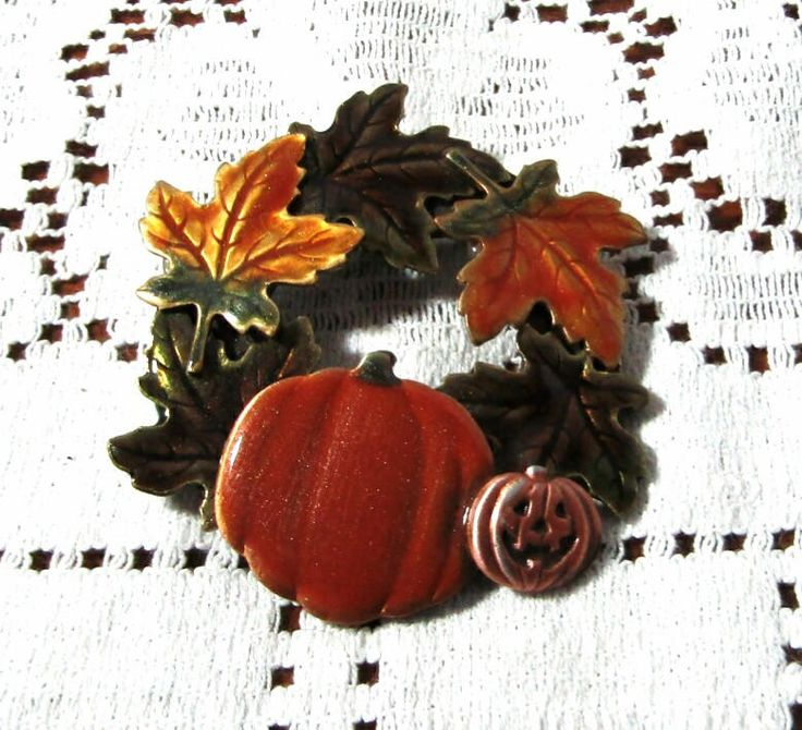 Pumpkin and Fall Leaves Wreath Brooch, Enamel, Jack O Lantern, Signed KC, Brown and Orange, Halloween, Fall, Autumn