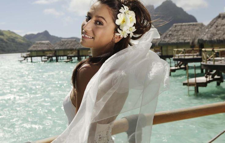 Tahiti Weddings | Romantic Vacations | Bora Bora | French Polynesia | South Pacific Islands | Bora Bora Weddings and Vow Renewals