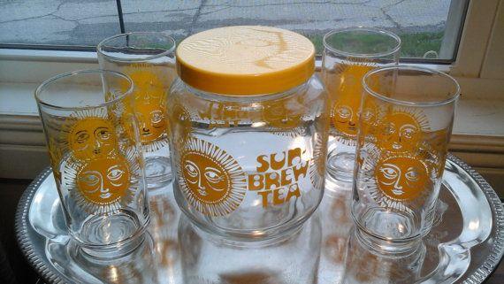 Sun -  Brew Tea Set, Yellow Sun Tea Jar and 4 Matching Glasses, Sun Brewed Tea Service