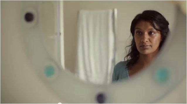 Nieuwe film van Dove onthult hoe moeilijk vrouwen het hebben met hun spiegelbeeld