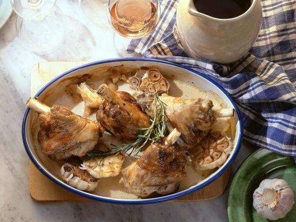 Rosmarin-Lammhaxen ist ein Rezept mit frischen Zutaten aus der Kategorie Lamm. Probieren Sie dieses und weitere Rezepte von EAT SMARTER!
