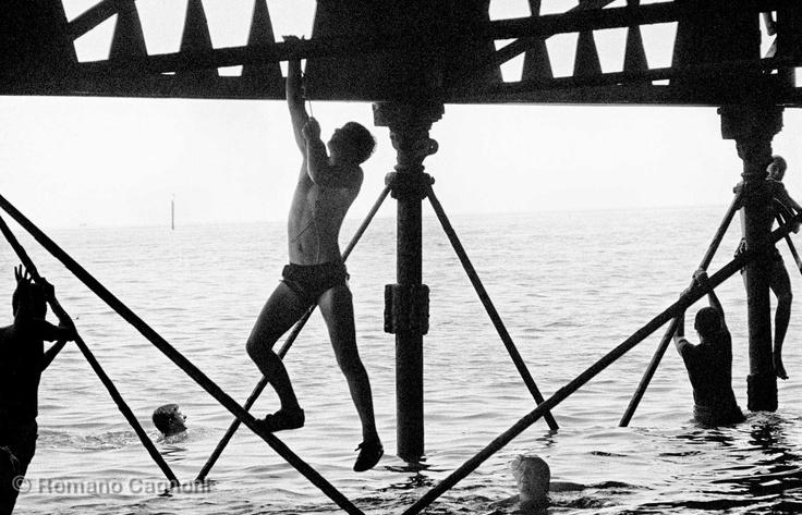 Romano Gagnoni, England Southsea piers, 1981