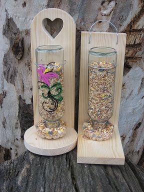 DIY birdfeeder from a glass bottle.