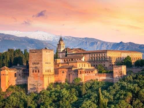 L'Alhambra de Grenade est une merveille d'architecture islamique. Cette acropole de l'époque médiéva... - Photo Shutterstock