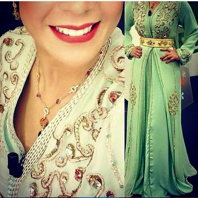 excellent nouveau modèle du caftan marocain 2016 - takchita de luxe porté par la  célèbre actrice, animatrice et mannequin   Leila Hadioui .
