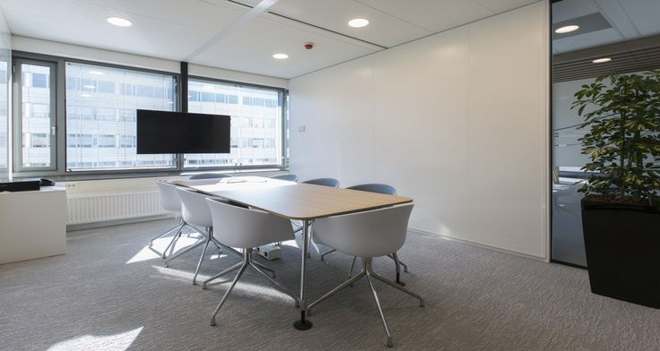 The new office of Samsung at Schiphol designed and constructed by Tétris. DESIGN   OFFICE DESIGN   OFFICE INTERIOR   OFFICE IDEAS   INTERIOR DESIGN