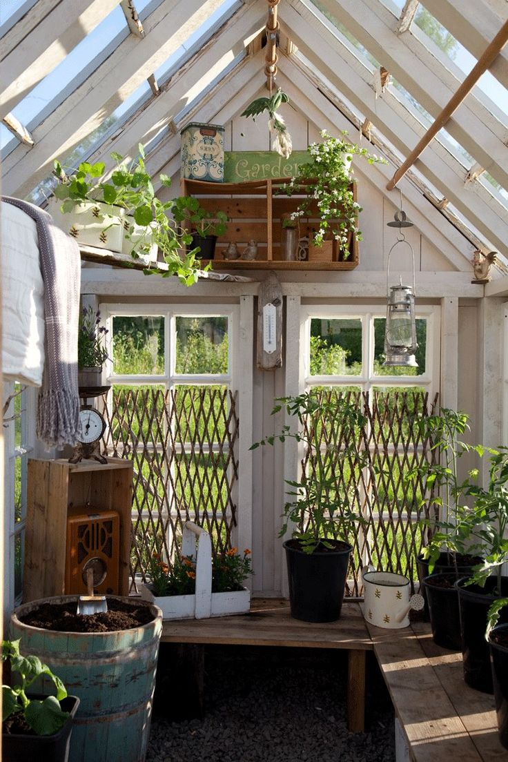 ~ greenhouse interior ~ Via Lev Landlig