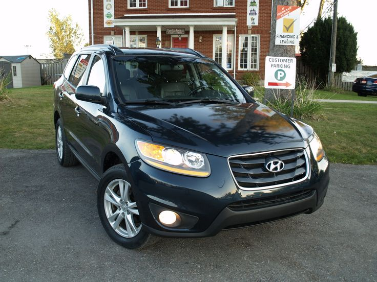 2010 Hyundai Santa Fe Limited - With Navi!