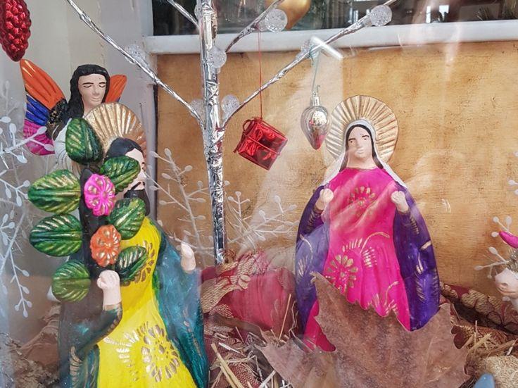 Weihnachten auf Mallorca, Krippe im Schaufenster in Sóller