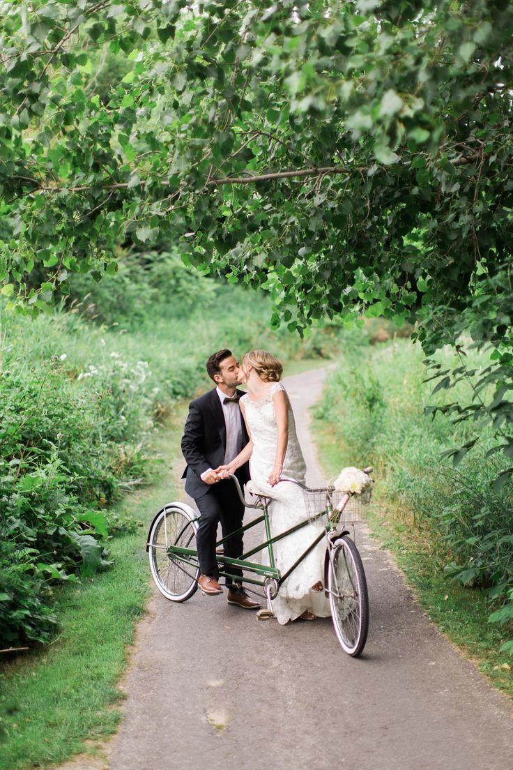 Martina Wendland photography / weddings / tandem bicycle / tandem bike