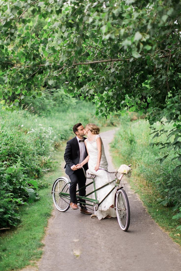 Martina Wendland photography / weddings / tandem bicycle / tandem bike
