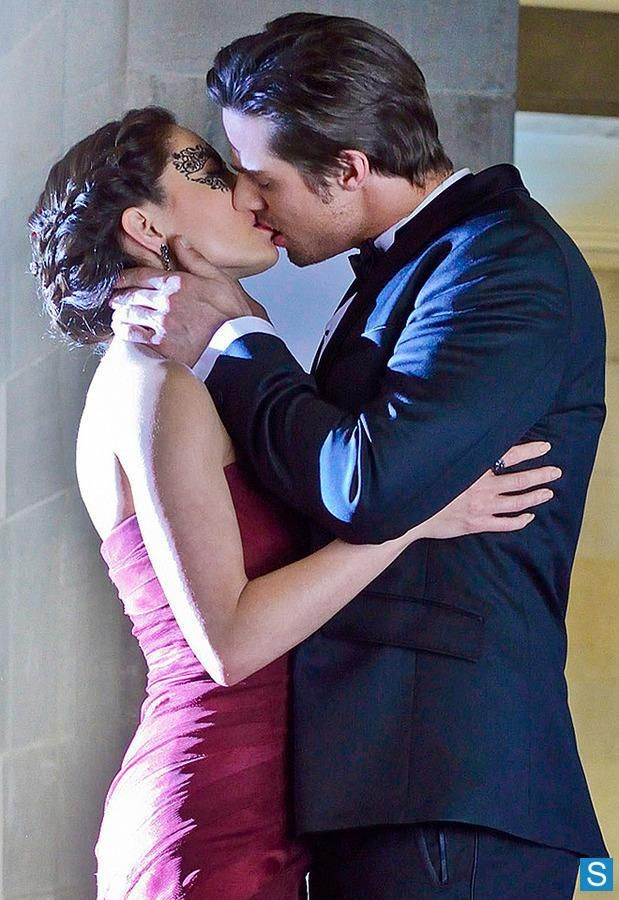 Jay Ryan as Vincent. Kristin Kreuk as Catherine.