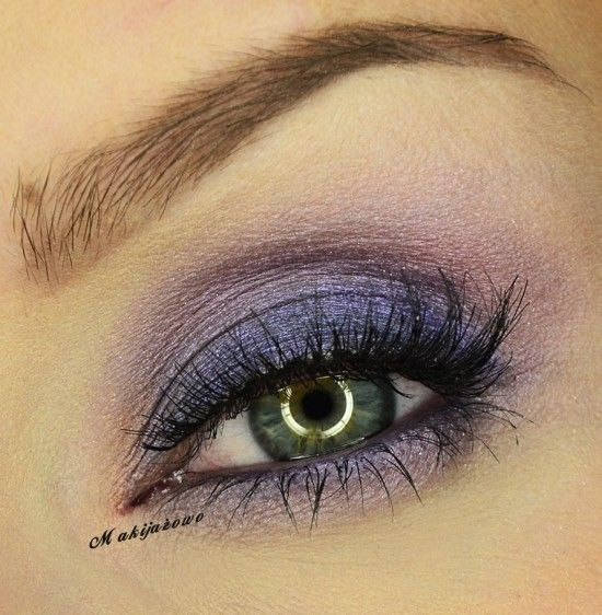 Great for you green eyes! Pat Prom Night over lid with flat stiff brush, keep below crease. Smudge under length of eye close to lashes. fluffy dome brush, feather Twilight into crease, blend harsh lines. Smudge around edge of eye and under eye, blend. small dome brush sweep Taupe Notch into crease to darken. Add a purple liner to lower waterline. curl lashes, mascara. Ardell Demi Luvies.