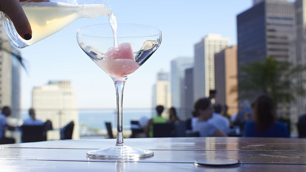 Best rooftop bars in Chicago for outdoor drinking and city views