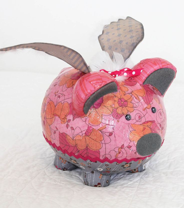 Upcycle an old piggy bank into a flying pig with paper for Piggy bank craft