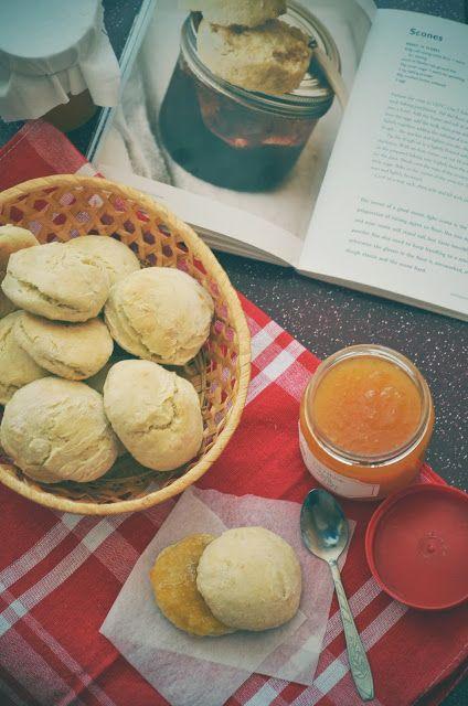 Marvelous scones with apple&orange jam
