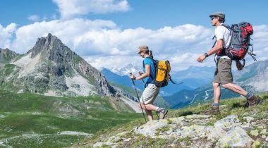 Climat, température et météo à la montagne. Froid, changeant, pluvieux le temps en montagne l'été ? Pas faux ! Mais, il est tout aussi vrai qu'il peut y faire grand beau pendant tout son séjour ou que le mercure peut grimper très fort.