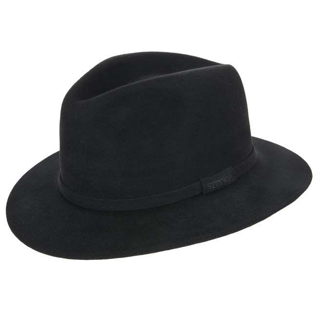 Absolut elegant wirkt dieser Hut für Herren vor allem wegen der breiten Krempe in der sonst recht klaren Form. STETSON hat hier ein völlig natürliches Haarfilz verarbeitet, dass fü...